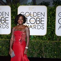 Viola Davis at the Golden Globes 2015 red carpet
