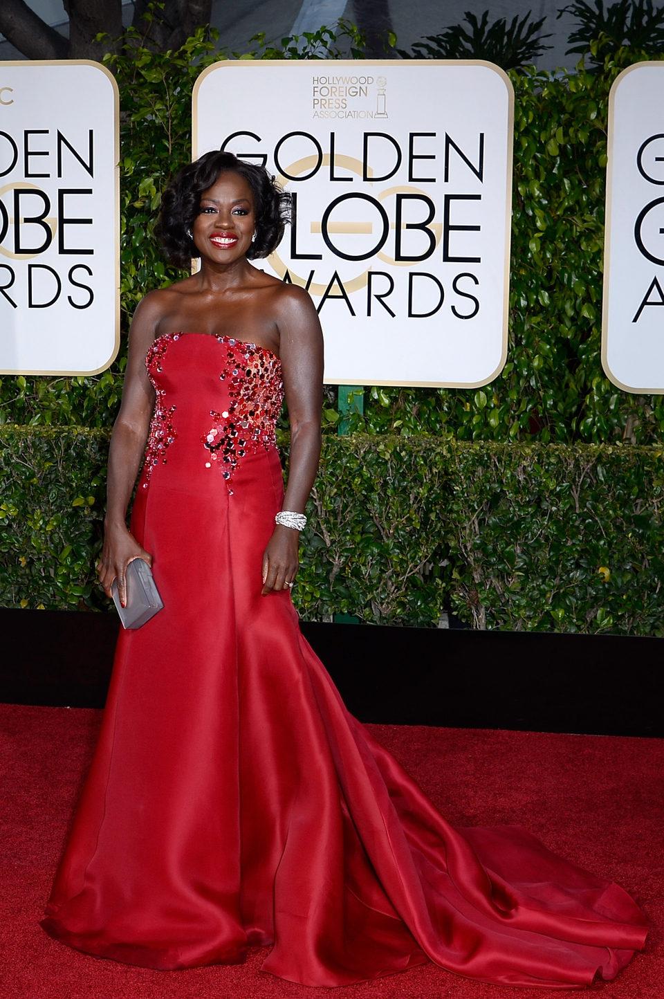 Viola Davis at the Golden Globes 2015 red carpet