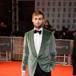 Douglas Booth en los BAFTA 2015