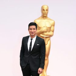 Mario Lopez at the Oscars award 2015 red carpet