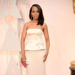 Kerry Washington at the Oscar 2015 red carpet