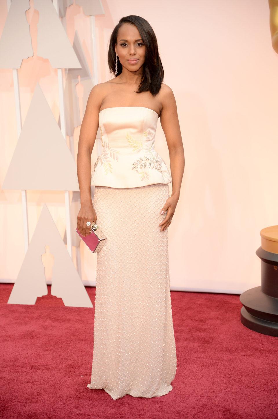 Kerry Washington at the Oscar 2015 red carpet