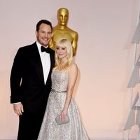 Chris Pratt and Anna Faris pose at the Oscar 2015