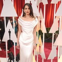 Genesis Rodriguz posses in the Oscar 2015 red carpet