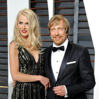 Morten Tyldum and his wife in the Oscar 2015 red carpet
