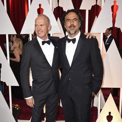 Michael Keaton and Alejandro González Iñárritu in the Oscar 2015 red carpet