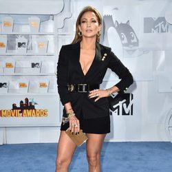 Jennifer Lopez at the MTV Movie Awards 2015 red carpet