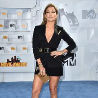 Jennifer Lopez at the MTV Movie Awards 2015 red carpet