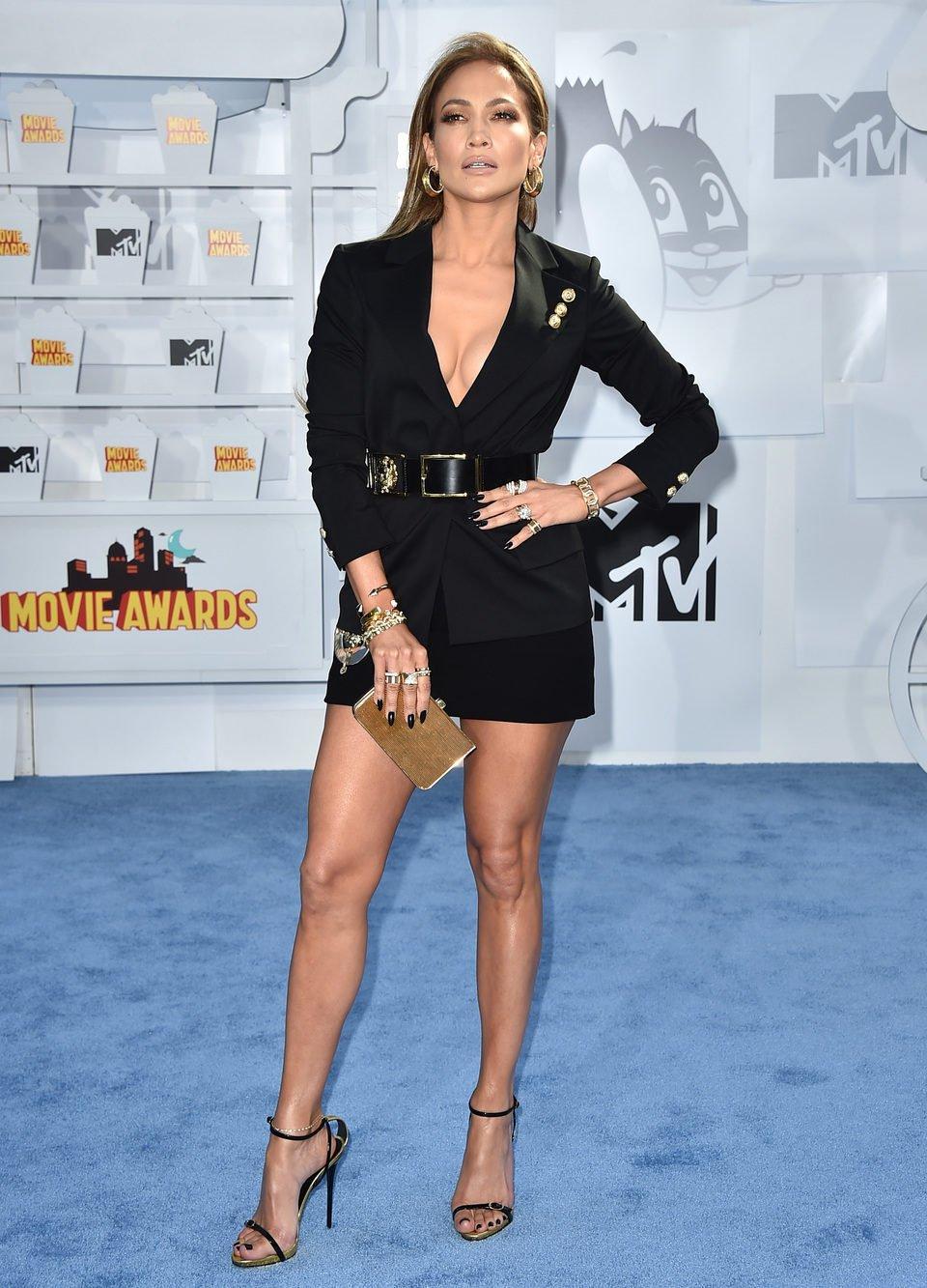 Jennifer Lopez Photos - The 2015 MTV Movie Awards - Red