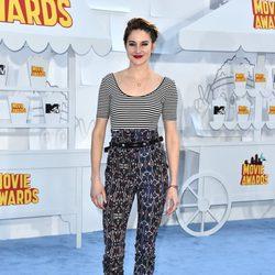 Shailene Woodley at the MTV Movie Awards 2015 red carpet