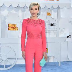 Scarlett Johansson at the MTV Movie Awards 2015 red carpet