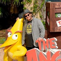 Josh Gad and his bird at the Summer of Sony 2015