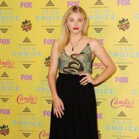 Actress Chloë Grace Moretz poses in the press room at the Teen Choice Awards 2015