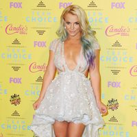 Singer Britney Spears poses in the press room at the Teen Choice Awards 2015