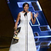 Regina King receiving the 2015 Emmy Award