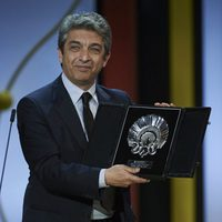 Ricardo Darin receives the Silver Shell for Best Actor for the film 'Truman' during the closing ceremony of 63rd San Sebastian Film Festival