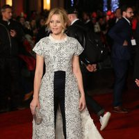 Elizabeth Banks, very chic and smiling in 'The Hunger Games: Mockingjay - Part 2' London premiere