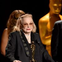 Gena Rowlands receiving the Academy Honorary Award in Governor's Awards 2015
