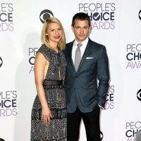 Claire Danes and her husband Hugh Dancy in the People's Choice Awards 2016