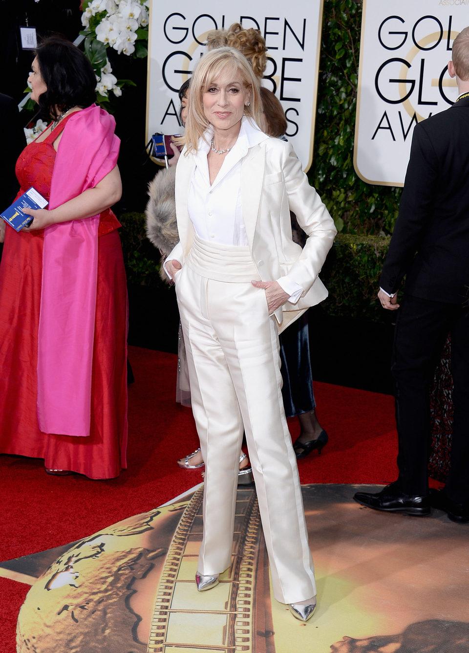 Judith Light in the 2016 Golden Globes red carpet