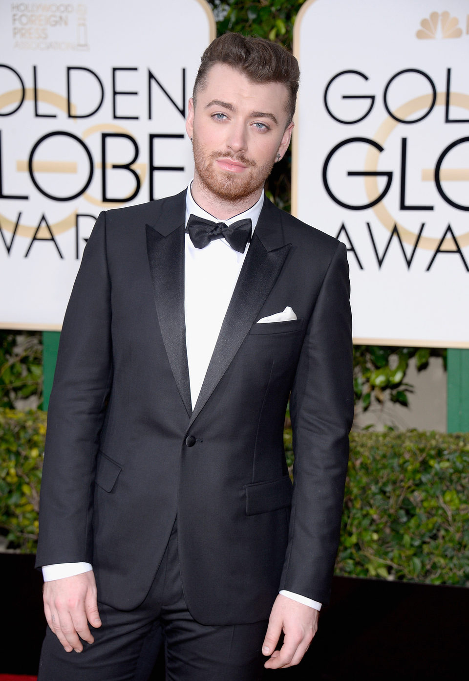 Sam Smith at the 2016 Golden Globes red carpet