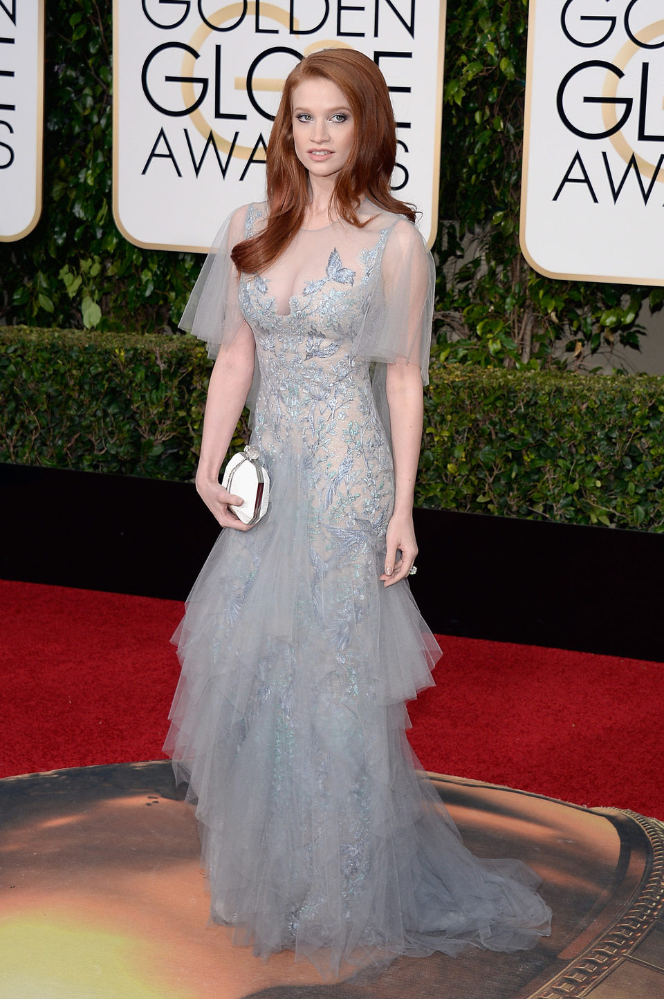 Sarah Hay in the 2016 Golden Globes red carpet