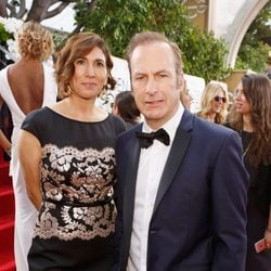 Bob Odenkirk and wife Naomi at the 2016 Golden Globes red carpet