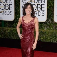 Felicity Huffman in the 2016 Golden Globes red carpet