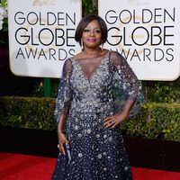 Viola Davis in the 2016 Golden Globes red carpet