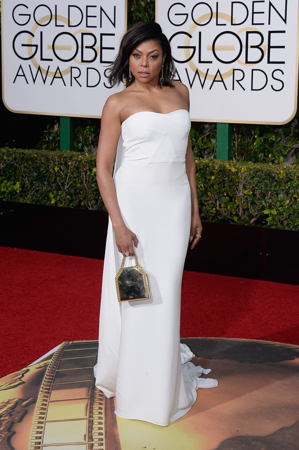Taraji P. Henson in the 2016 Golden Globes red carpet