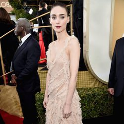 Rooney Mara at the 2016 Golden Globes red carpet