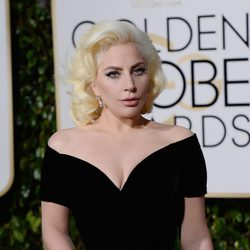 Lady Gaga at the 2016 Golden Globes red carpet