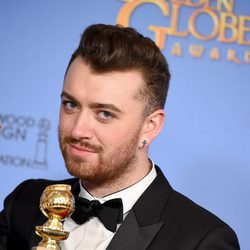 Sam Smith wins the Golden Globe for 'Writings on the Wall'