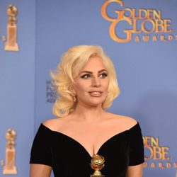 Lady Gaga wins the Golden Globe for 'American Horror Story: Hotel'