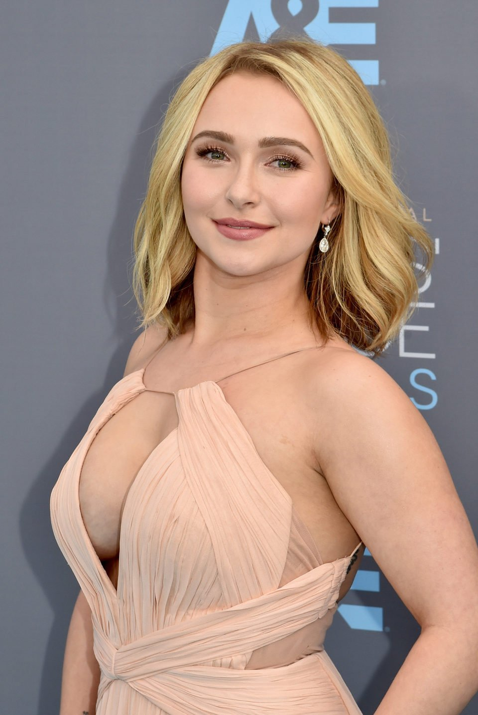 Hayden Panettiere at 2016 Critics Choice Awards red carpet