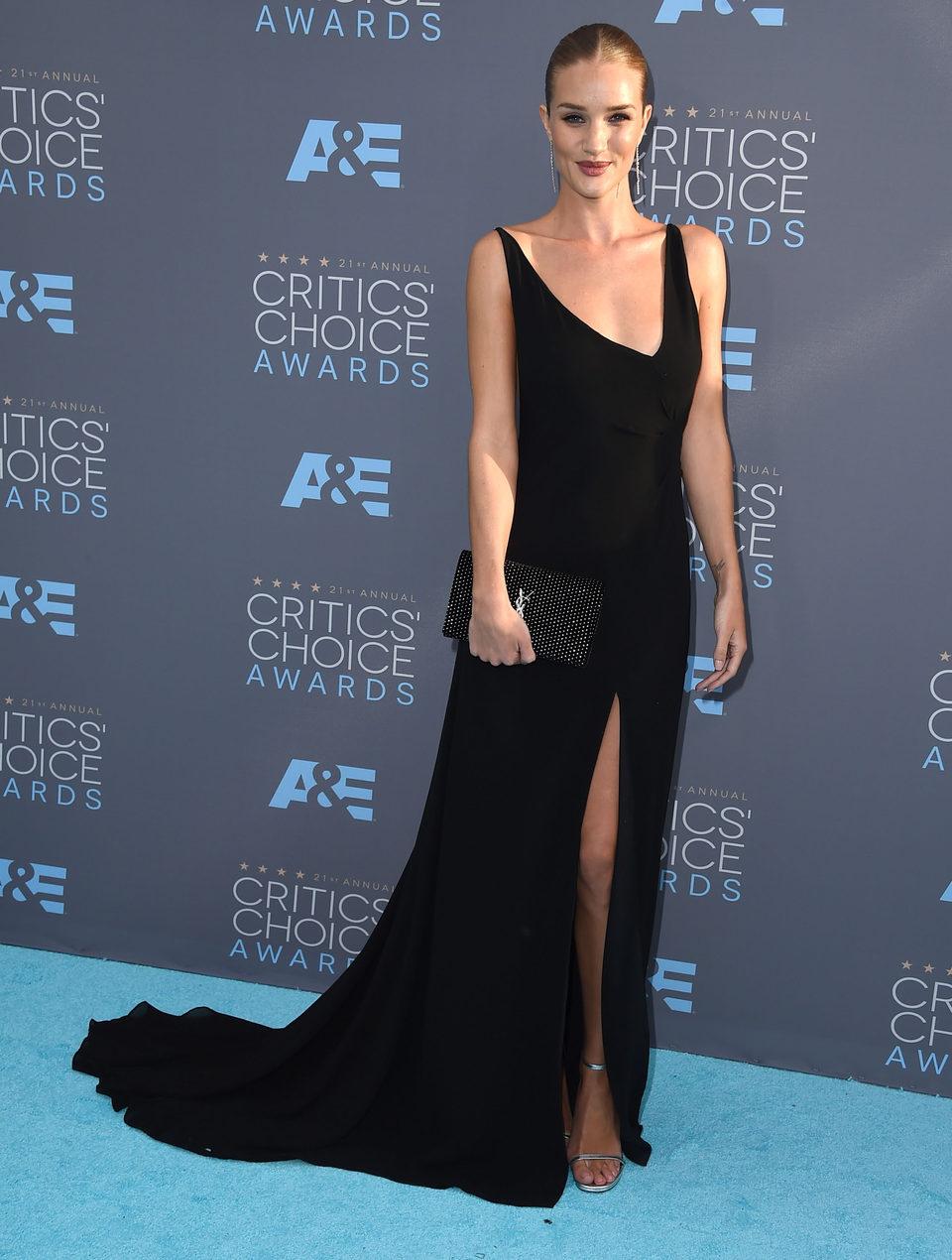 Rosie Huntington-Whiteley went with Jason Statham to 2016 Critics Choice Awards gala