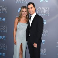 Jennifer Aniston and Justin Theroux dind't miss 2016 Critics Choice Awards gala