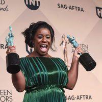Uzo Aduba with her two awards at the SAG Awards 2016