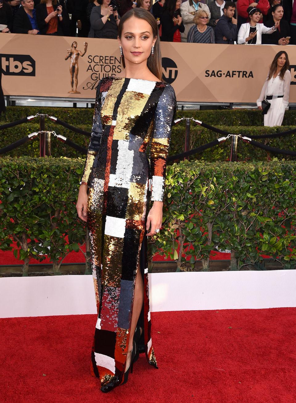 Alicia Vikander at the SAG Awards 2016 red carpet