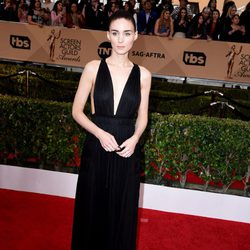 Rooney Mara at the SAG Awards 2016 red carpet