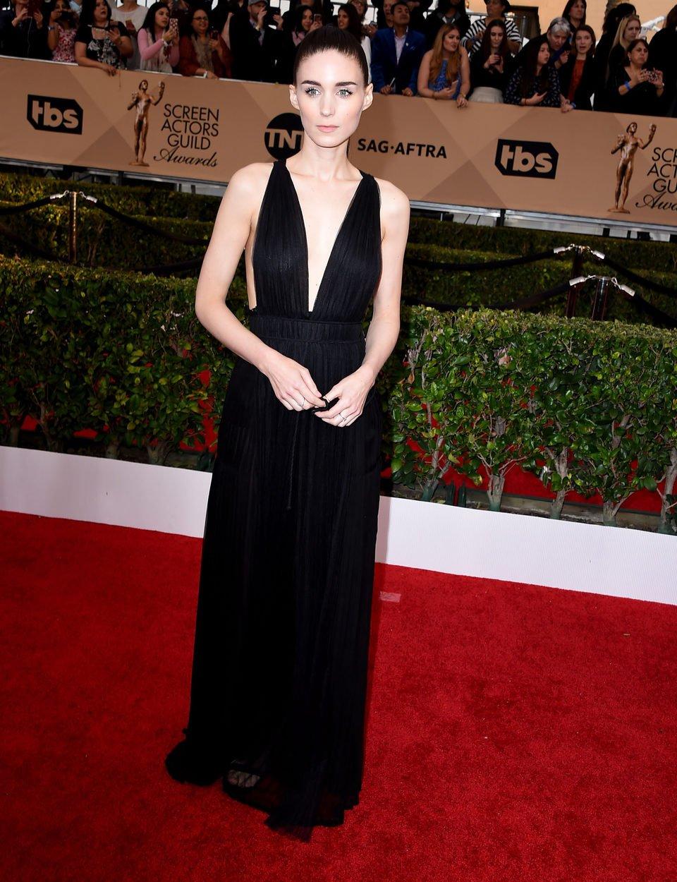 Rooney Mara at the SAG Awards 2016 red carpet