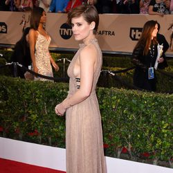 Kate Mara at the SAG Awards 2016 red carpet