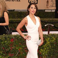 Elizabeth Rodríguez in red carpet of SAG Awards 2016
