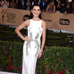 Julianna Margulies at the SAG Awards 2016 red carpet