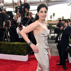Sarah Silverman in red carpet of SAG Awards 2016