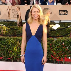 Claire Danes at the SAG Awards 2016 red carpet