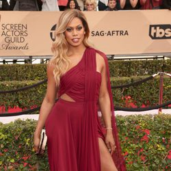 Laverne Cox in red carpet of SAG Awards 2016