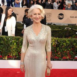 Helen Mirren at the SAG Awards 2016 red carpet