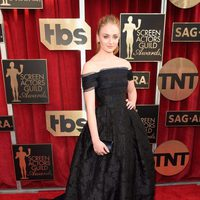 Sophie Turner in red carpet of SAG Awards 2016