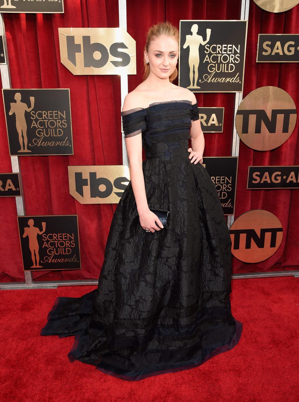 Sophie Turner in red carpet of SAG Awards 2016